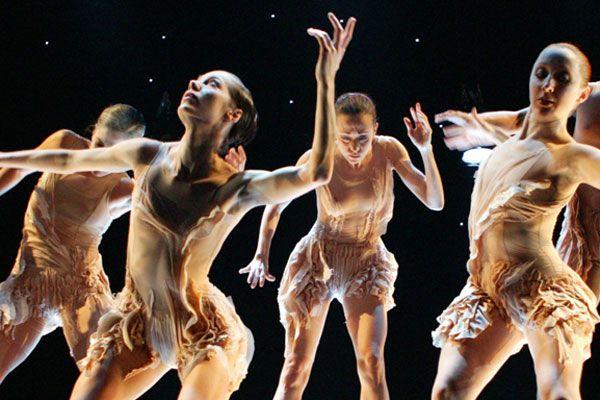 FRAIL LINE, choreography: Tero Saarinen